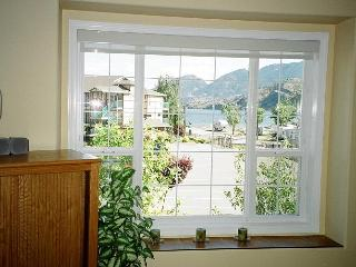 2 Bedroom Deluxe Condo on Skaha Lake Near Penticto, Okanagan Falls