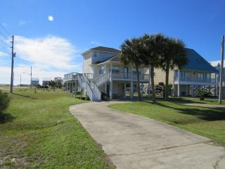 BEST BEACH HOUSE FOR THE PRICE IN GULF SHORES, Gulf Shores