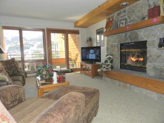 Indoor Private Hot Tub, Wood Fireplace, 2BR,2BA