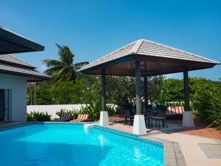 Villa Siam Noi - 3 Bedroom Pool Villa with a short walk to Choeng Mon Beach