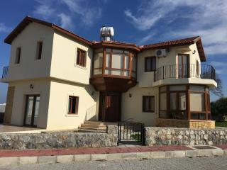 3 BEDROOM VILLA IN ALSANCAK