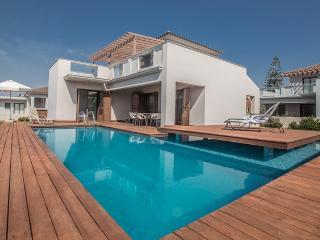 Skyla 3 bedroom villa, Ayia Napa center with pool
