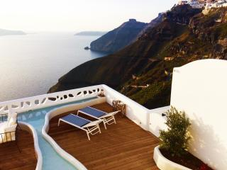 Blue Villas| Athina | A luxury villa in Santorini, Fira