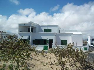 Villa EMEISIN in Famara for 10p