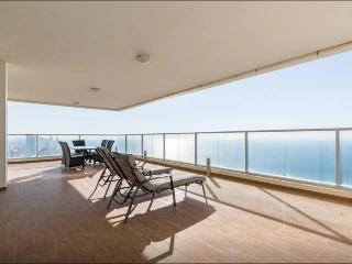 Exclusive Penthouse Ocean View with Balcony, Netanya