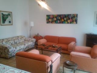 Grande e luminoso appartamento 5 posti letto, Viareggio