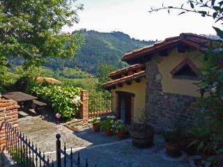 Casa Trisqueles y Buganvillas II, Villaviciosa