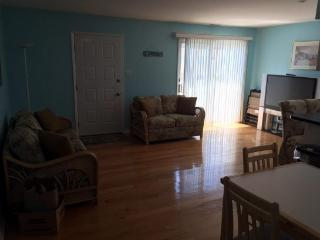 Beautiful, spacious, 3 bedroom condo in N Wildwood