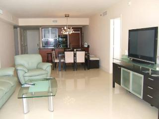 Beach Club - Luxury Condo with Amazing Views, Hallandale