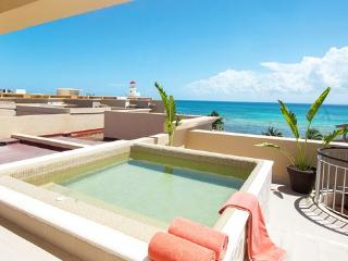 OCEAN FRONT CONDO WITH PRIVATE TERRACE. 10% OFF, Playa del Carmen