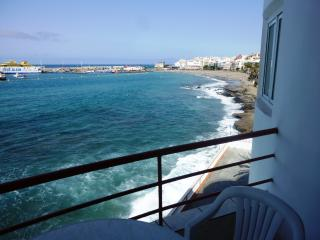 Apartment in Los Cristianos directly on the sea