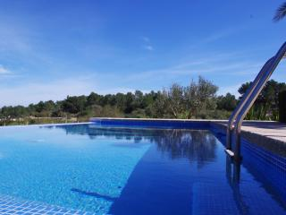 Villa Can Tomeu w/ amazing views & swimming pool, Montuiri