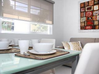 Just renovated elegant 2bed/2bath, Miami Beach