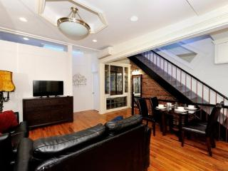 Stylish Duplex 3BR/2BA in Midtown West for 6 - NYC, Nueva York
