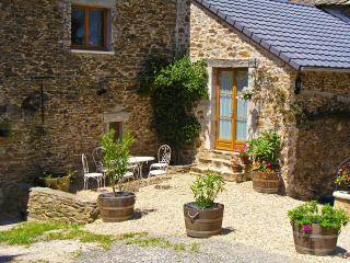 Spacious 4-star Converted Barn with Character, Rieupeyroux