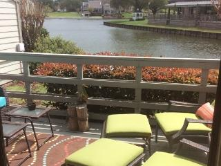 Furnished lake-edge Condo on Lake Conroe., Montgomery