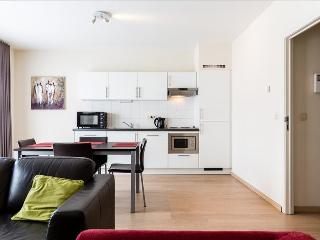 Modern 2br steps from the centre, Saint-Josse-ten-Noode