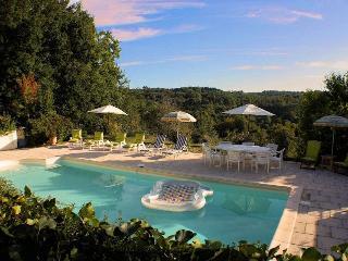Les Deveses Farmhouse with pool - sleeps 6 - Calm, Cassagnes