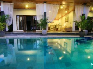 Great location 1 br pool villa in Seminyak