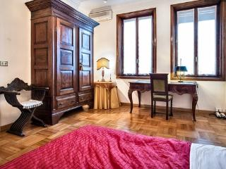 APPARTMENT PIAZZA DUOMO MILANO, Milán