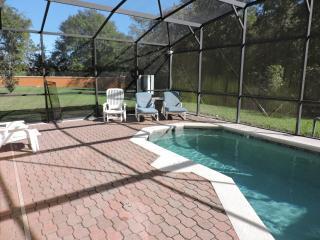 4 Bed 3 Bath house, near Disney, private pool BV5, Kissimmee
