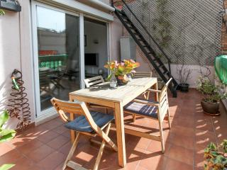 Cozy Attic + Spacious terrace in Sagrada Familia