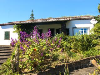 Rural Guest House, Oceanfront Property With Access, Vila Franca do Campo