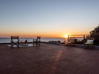 Villa la Scogliera - Quercianella with private beach