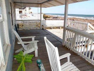 Deck,Porch,Railing,Bench,Balcony