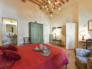 Torre Becci Suite 2 - Elegant historic property in the centre of San Gimignano