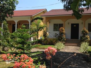 Celvis Vacation Cottages, Panglao Island