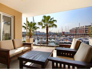 Classically Stylish Luxury Waterfront Apartment, Ciudad del Cabo Central