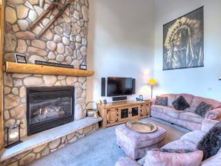 Luxury 5 Bed *Great Location* Town/Ski Lift/Pool, Breckenridge
