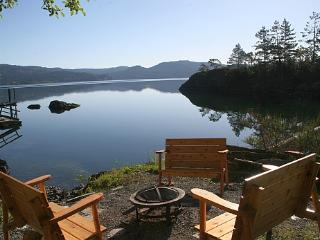 Oceanfront Cottage in a Private, Park-Like Setting, Sooke