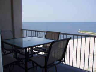SEA BREEZE * Only Condo Right on GULF * Casinos!, Biloxi