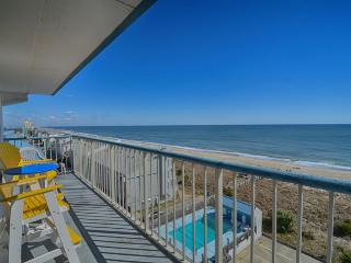 Paradise Towers 601- Beautiful Ocean Views W/Pool
