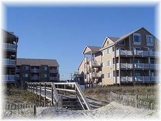 Sand Pebbles 17A -Oceanside with Pool, Carolina Beach