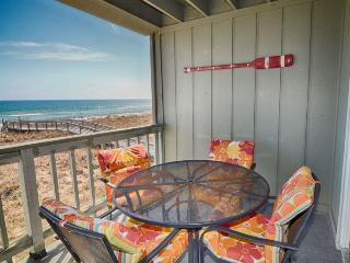 Sands IV 2C 2BR/2BA OCEANFRONT CONDO, Carolina Beach