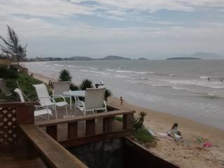 Casa 4 Suites - Condomínio Frente para Praia