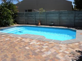 Holiday home in central quiet suburb, Cape Town Central