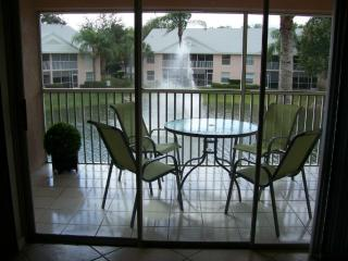 Lake View, 3 Bed, Condo.  End unit., Naples