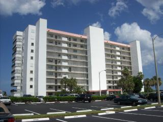 Beautiful Two Bedroom /Two Bath Direct Oceanfront