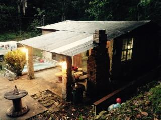 The Log Cabin, Utuado