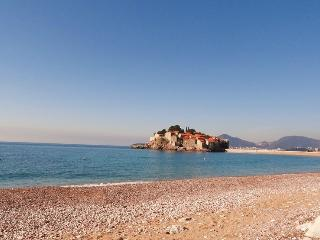 Luxury four-bedroom apartments on the beach #B-J, Sveti Stefan