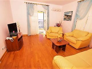 Luxury three-bedroom apartments on the beach #B-N, Sveti Stefan