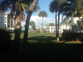 Ocean Village JJ Golf Villas 5412 - Golf Course View, Fort Pierce