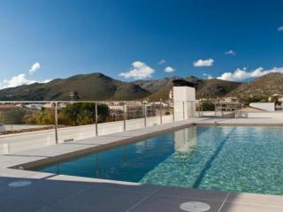 Tango 3 Bedroom Modern Apartment, Roof Top Pool, Port de Pollença