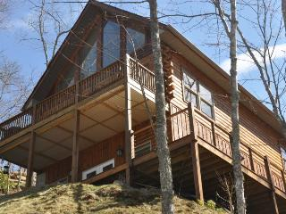 Northern Sky - Mountainside Cabin with Hot Tub, Spectacular View, Fire Pit and G