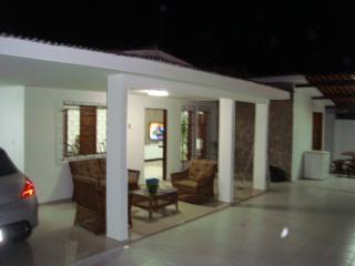 Casa luxo 5/4 com ar, 500 m da praia de Jatiuca, Maceió