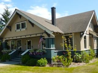 ACANTHUS SUITES A  Fully Restored Historic Home, Friday Harbor